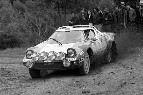 Girona, escenario de la fotografía conmemorativa de los ganadores del Rally Moritz Costa Brava