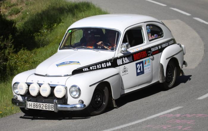 Un Volvo 544 de 1964, un Porsche 911 s 2.0 y un MG Midget MKIII de 1969 en el Criterium Nocturn