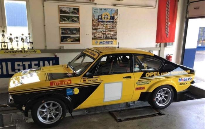 Las banderolas del 65 Rally Moritz Costa Brava, un objeto de culto