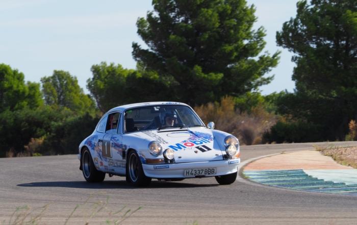 Josep Lluís Marcó (Porsche), més líder en cotxes; Alejandro Tejedo (Ducati, s'encimbella al capdamunt en motos