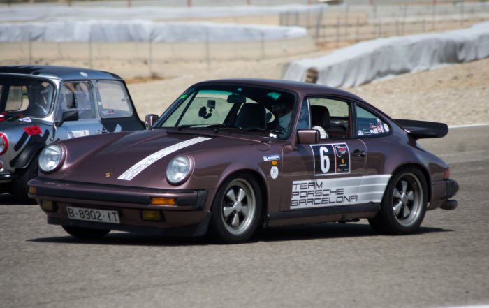 Strong fight in the Porsche Classic Series after overcoming its equator